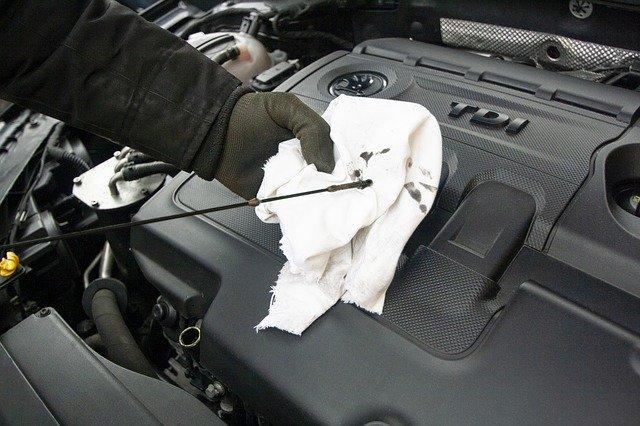 Jaké kapaliny potřebuje váš vůz a proč